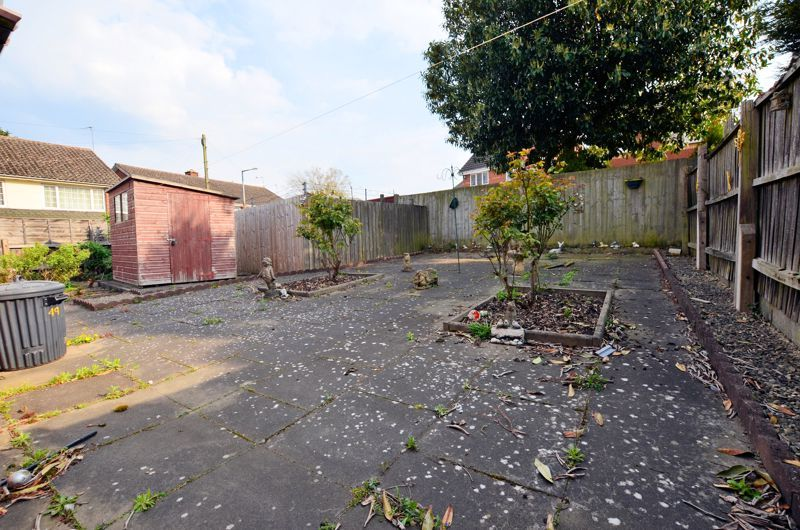 2 bed bungalow for sale in Highbury Avenue  - Property Image 4