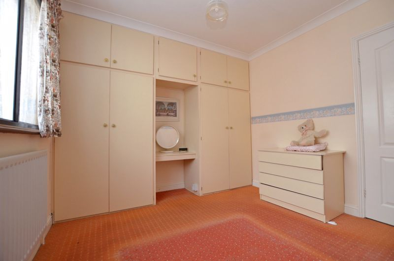 2 bed bungalow for sale in Highbury Avenue 6