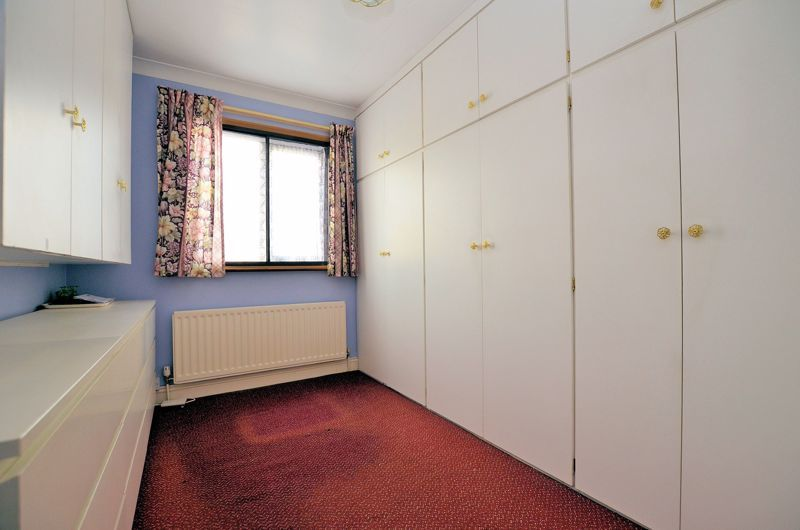 2 bed bungalow for sale in Highbury Avenue 7