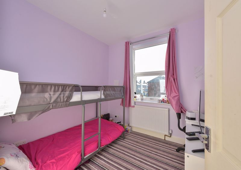 5 bed house for sale in Maple Road  - Property Image 14