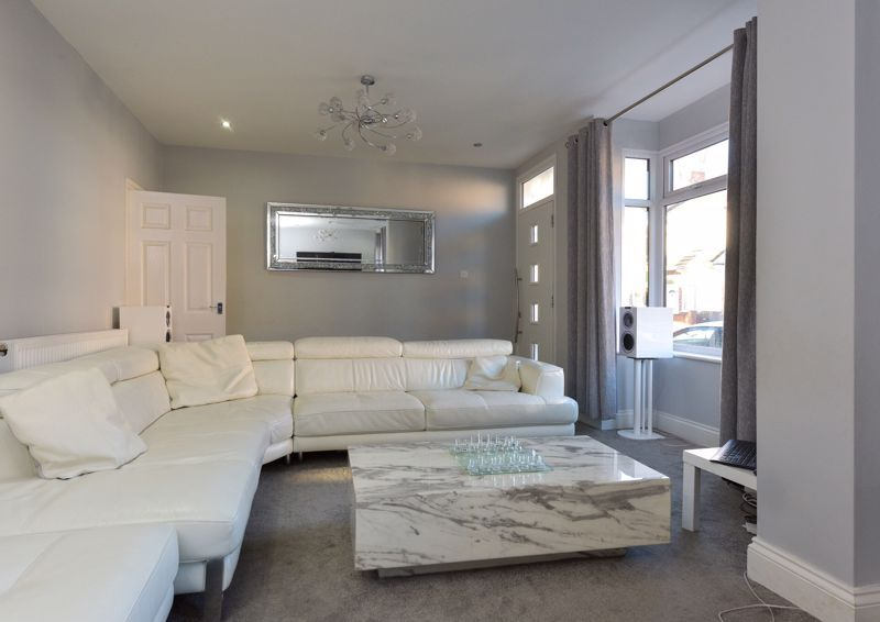 5 bed house for sale in Maple Road 5