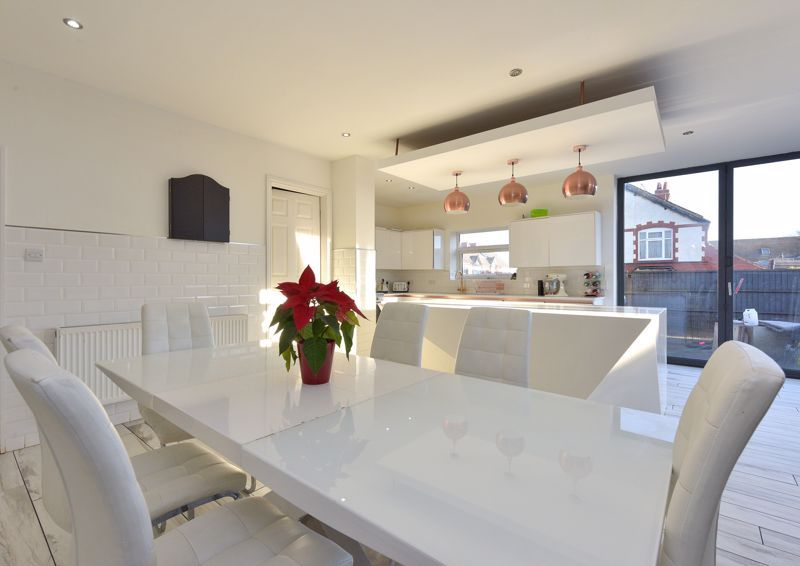 5 bed house for sale in Maple Road  - Property Image 6