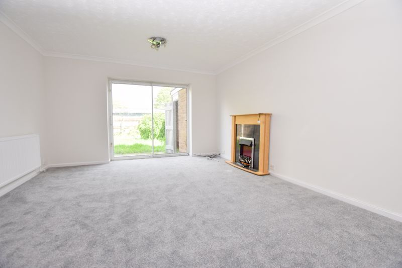 2 bed house to rent in Thornhurst Avenue 3