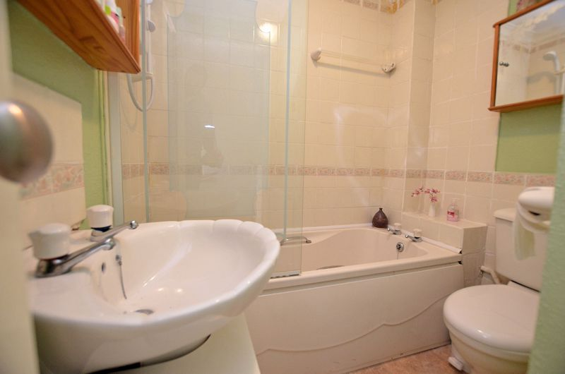 2 bed house to rent in Thornhurst Avenue 8