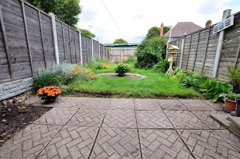 2 bed house to rent in Thornhurst Avenue 9