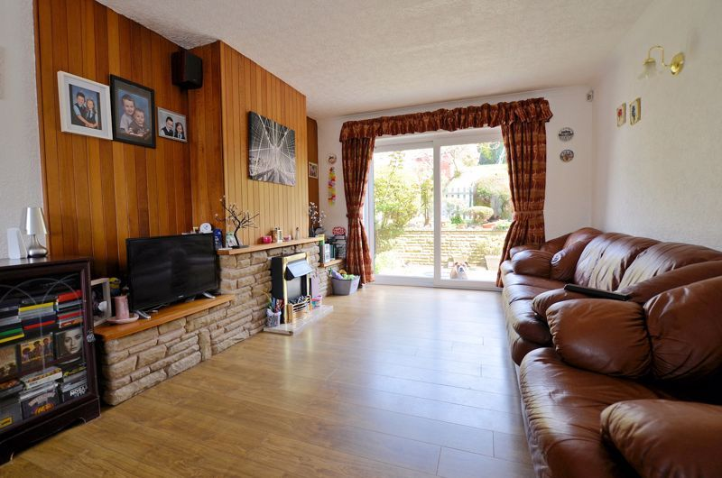 3 bed house for sale in Valley Road  - Property Image 2