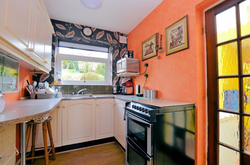 3 bed house for sale in Valley Road 3