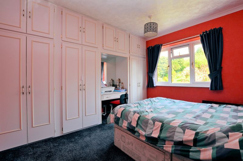 3 bed house for sale in Valley Road 5