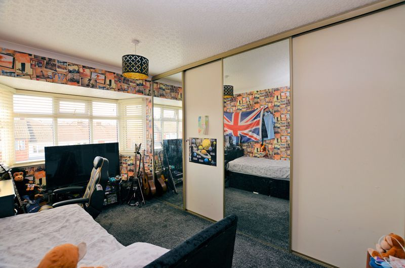 3 bed house for sale in Valley Road 6