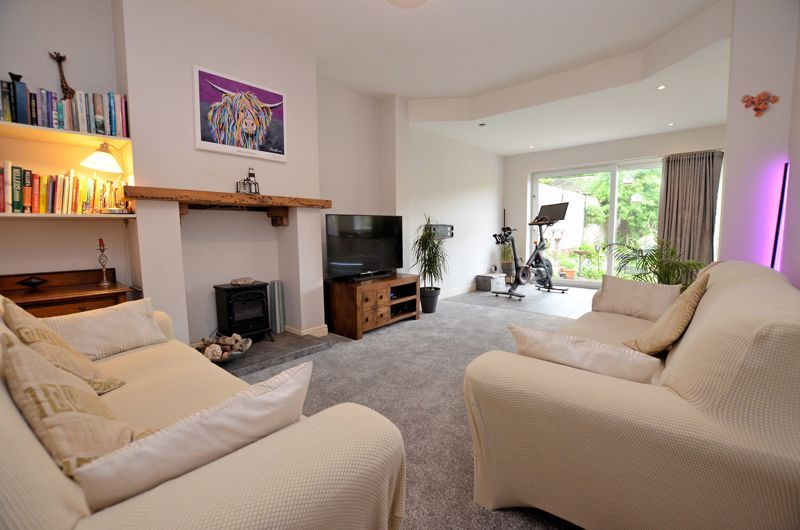 3 bed house for sale in Beverley Court Road  - Property Image 2