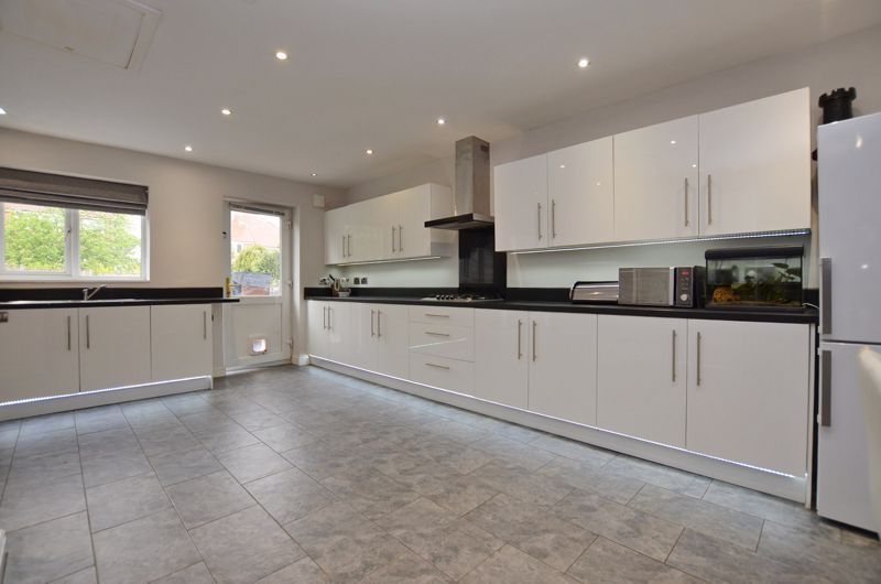 3 bed house for sale in Beverley Court Road 11