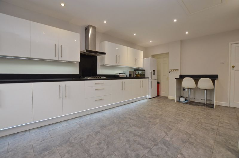 3 bed house for sale in Beverley Court Road 14