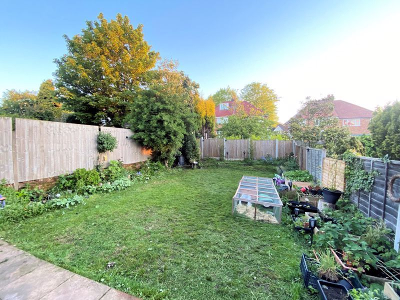 3 bed house for sale in Beverley Court Road 19