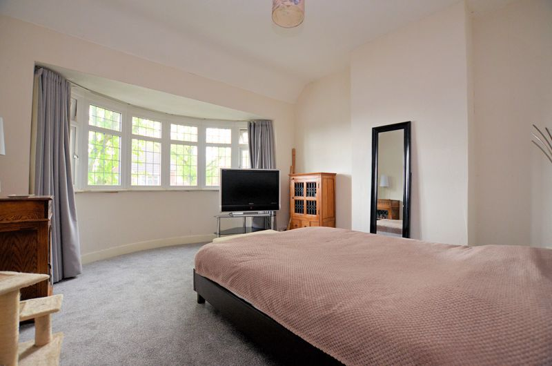 3 bed house for sale in Beverley Court Road 5