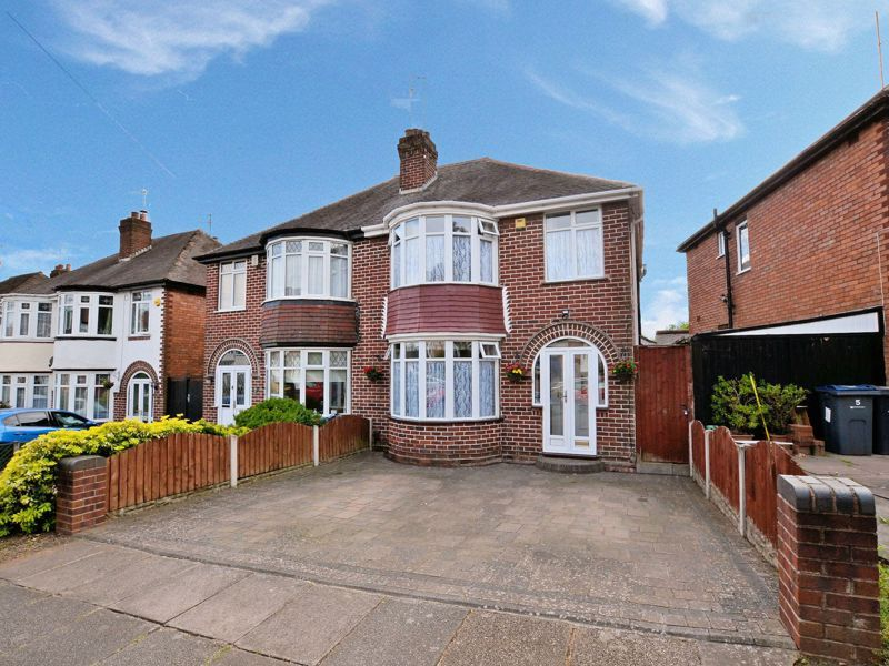 3 bed house for sale in Worlds End Lane  - Property Image 1