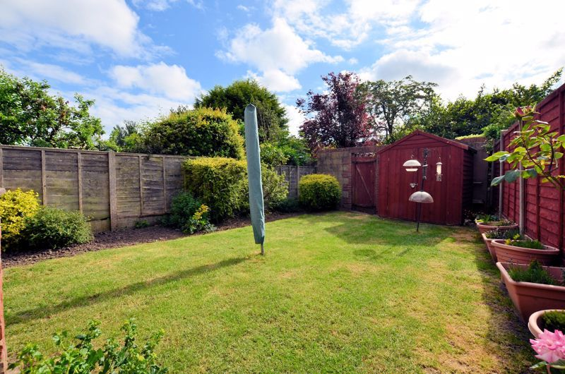 3 bed house for sale in Worlds End Lane 11