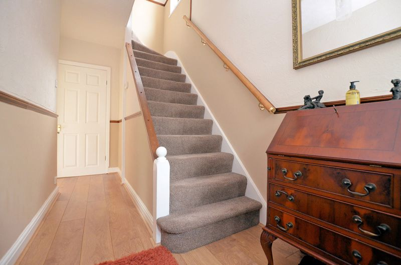 3 bed house for sale in Worlds End Lane 12