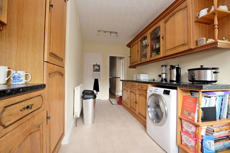 3 bed house for sale in Worlds End Lane 13