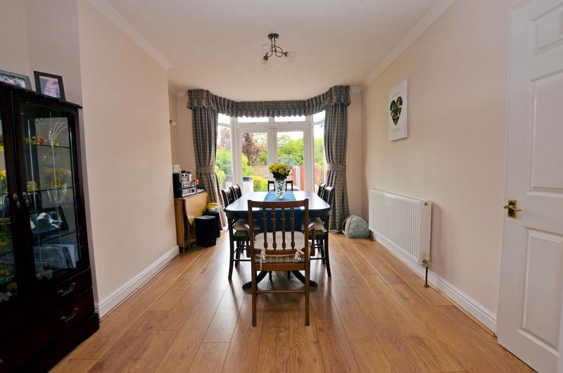 3 bed house for sale in Worlds End Lane 3