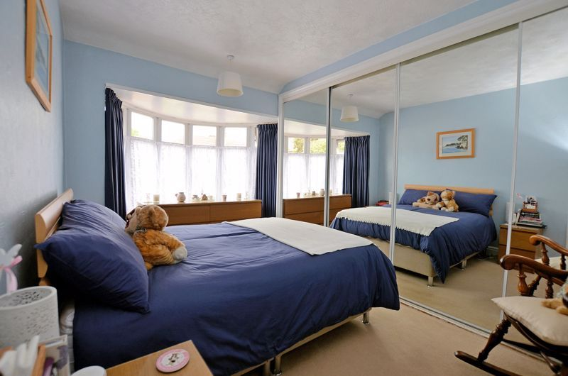 3 bed house for sale in Worlds End Lane 5