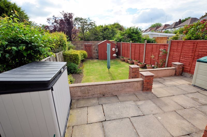 3 bed house for sale in Worlds End Lane 7