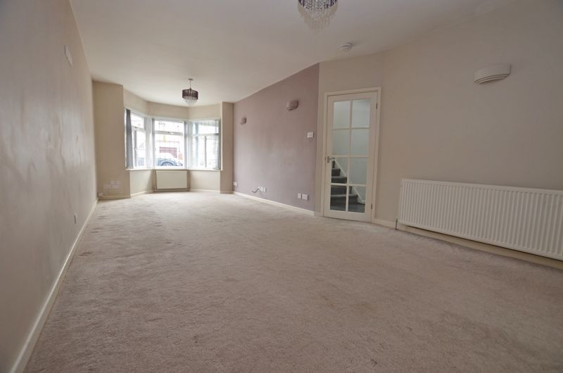 3 bed house for sale in Holly Road 2