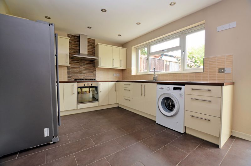 3 bed house for sale in Holly Road  - Property Image 11