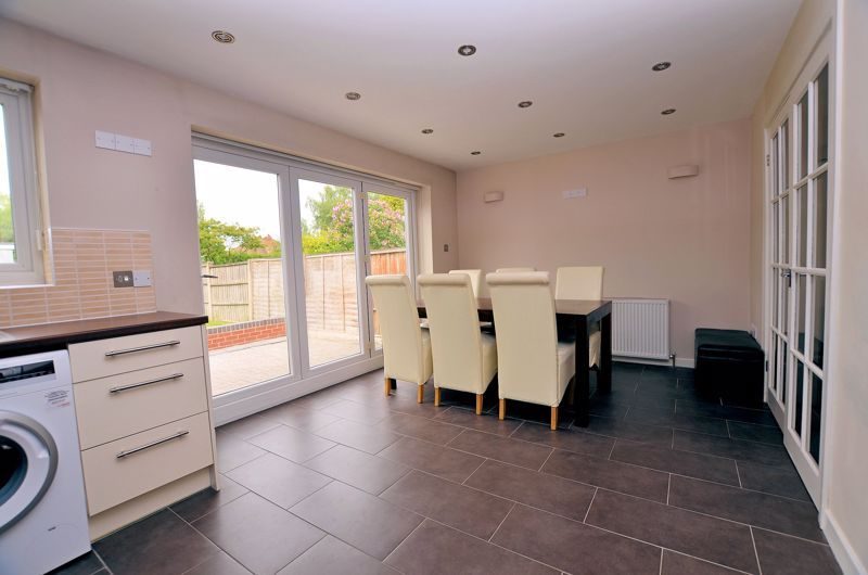 3 bed house for sale in Holly Road  - Property Image 12