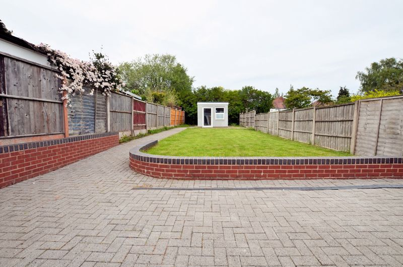 3 bed house for sale in Holly Road  - Property Image 8