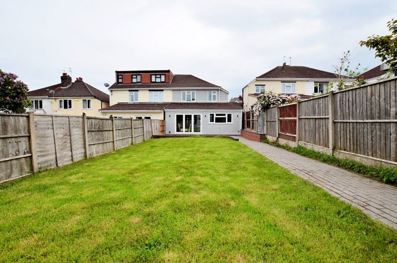 3 bed house for sale in Holly Road  - Property Image 9