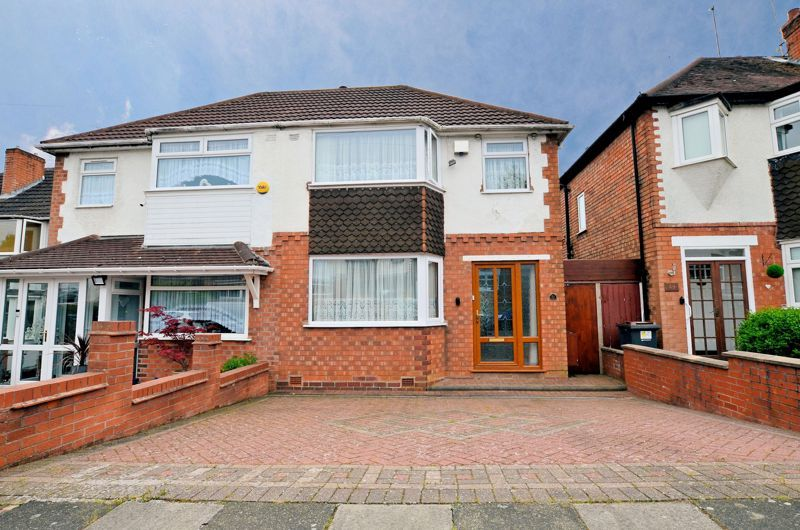 3 bed house for sale in Max Road, B32
