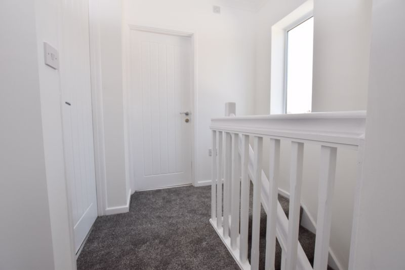 3 bed house to rent in Lansdowne Road 12