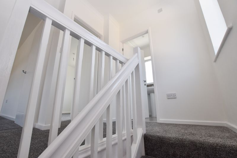 3 bed house to rent in Lansdowne Road 14
