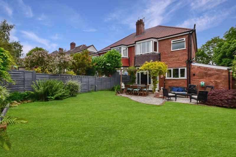 3 bed house for sale in Wolverhampton Road South 18