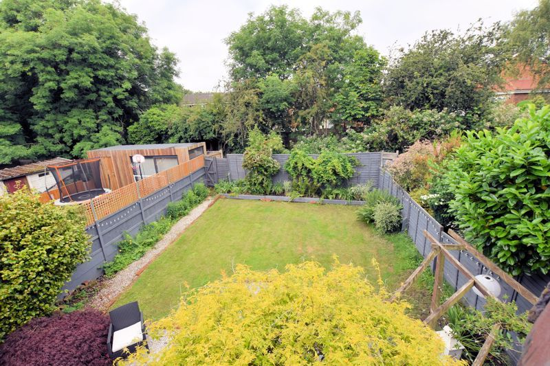 3 bed house for sale in Wolverhampton Road South 19
