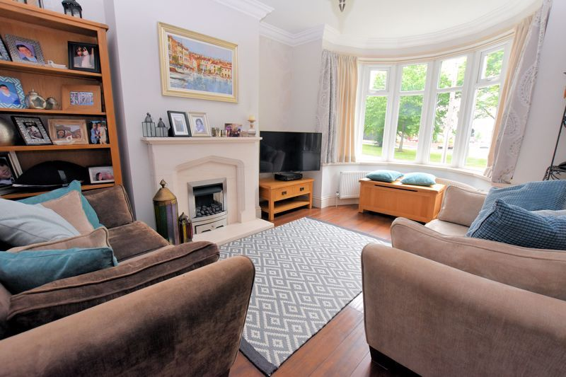 3 bed house for sale in Wolverhampton Road South 3
