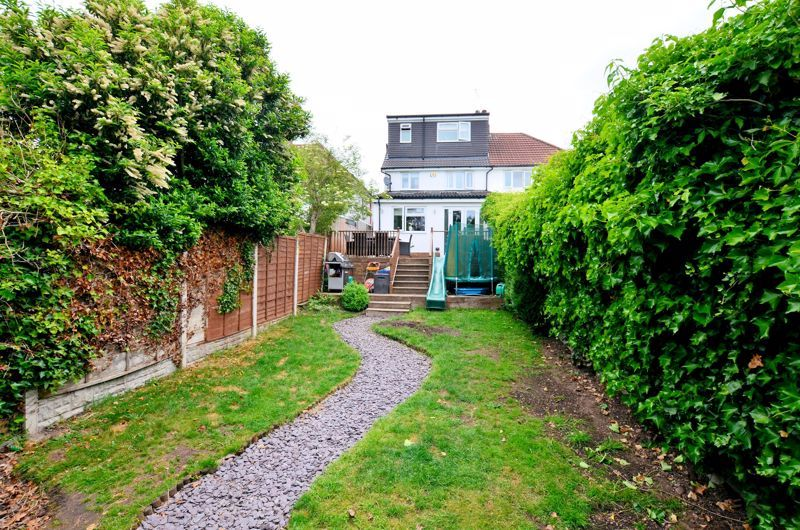 4 bed house for sale in Warwick Road 17