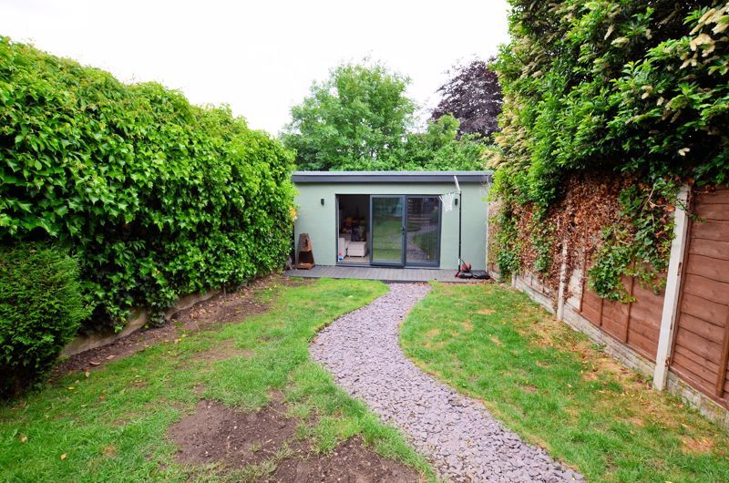 4 bed house for sale in Warwick Road  - Property Image 19