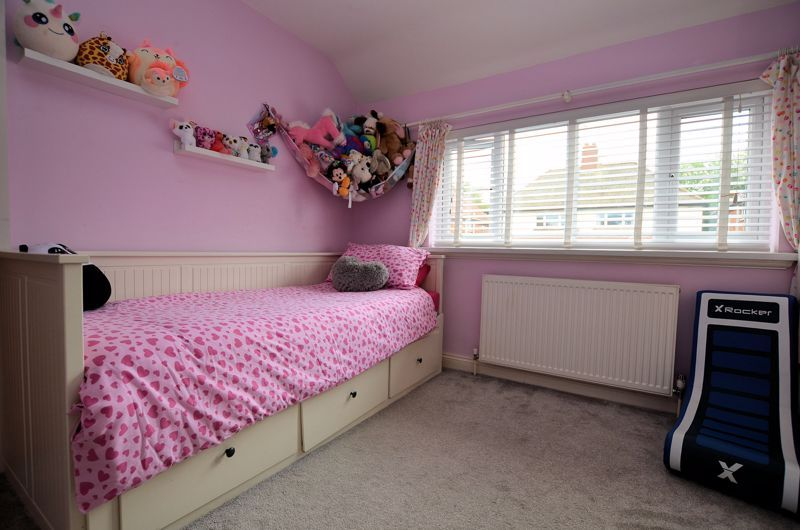 4 bed house for sale in Warwick Road  - Property Image 6