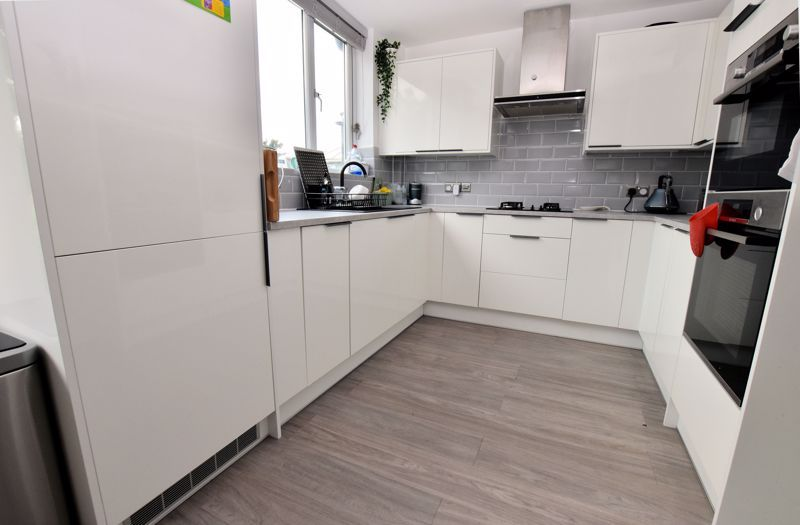 3 bed house for sale in Norman Avenue 6