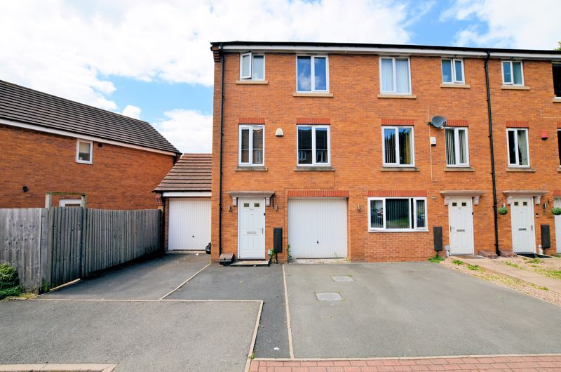 4 bed house for sale in Pel Crescent  - Property Image 1