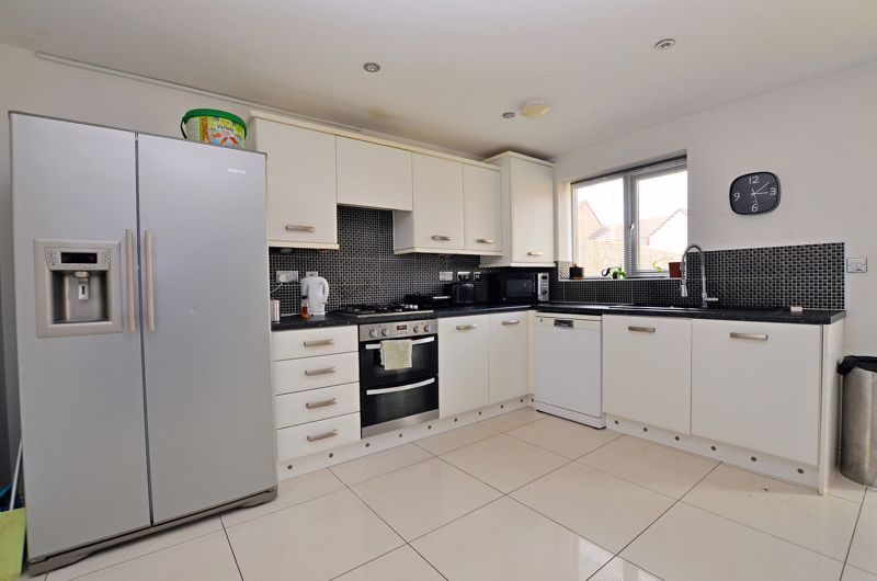 4 bed house for sale in Pel Crescent 12