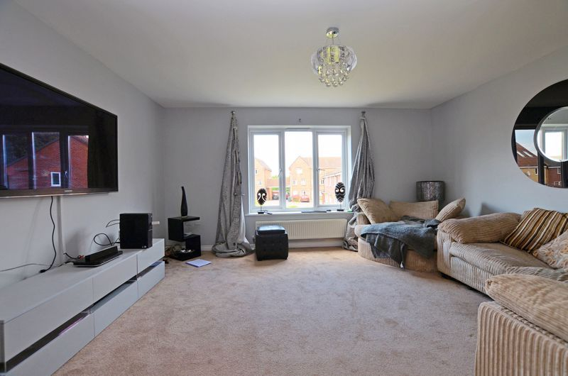 4 bed house for sale in Pel Crescent 3