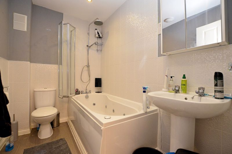 4 bed house for sale in Pel Crescent 4
