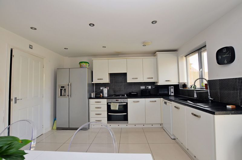 4 bed house for sale in Pel Crescent 10