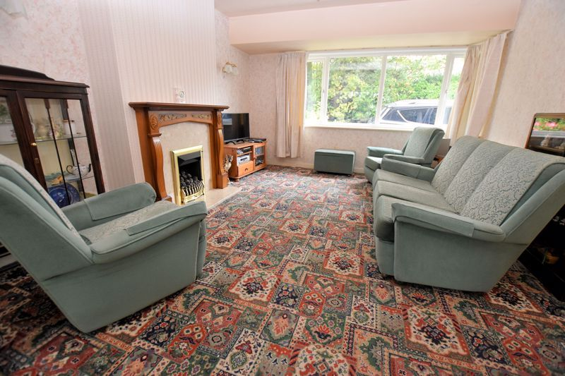 3 bed house for sale in Silverlands Avenue  - Property Image 2