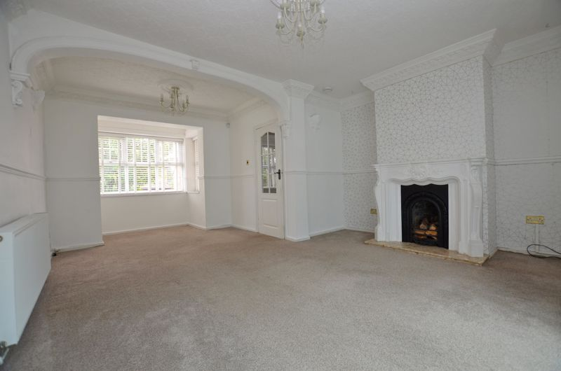 4 bed house for sale in Cornwall Avenue  - Property Image 2