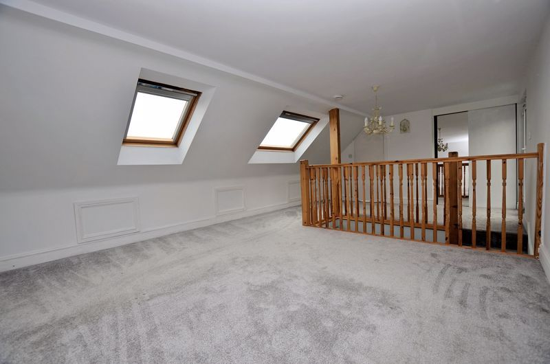 4 bed house for sale in Cornwall Avenue  - Property Image 23