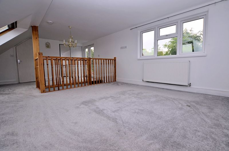 4 bed house for sale in Cornwall Avenue  - Property Image 24