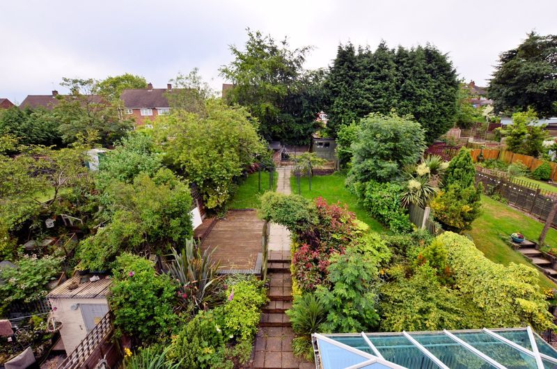 4 bed house for sale in Cornwall Avenue 4